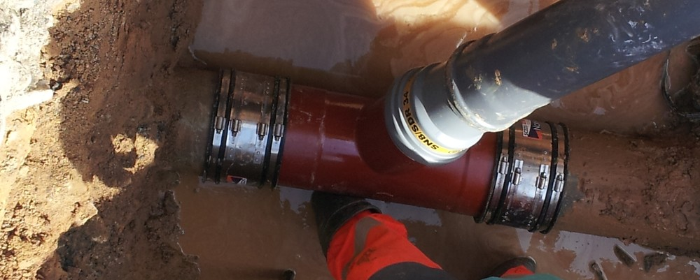norham-photo-chantier-raccords-FLEX-SEAL-SC-reparation-tuyau-assainissement.jpg